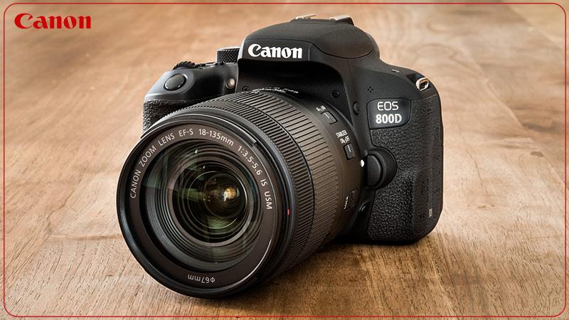 دوربین عکاسی کانن Canon 800D با لنز ۱۳۵-۱۸ IS STM